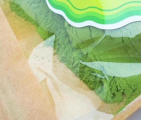Mlady jacmen zelena super potravina