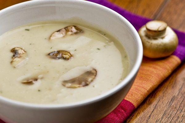 Šampiónová  polievka s  kokosovým olejom 1
