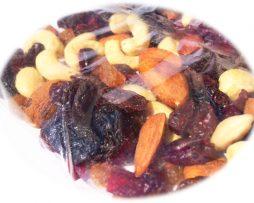 výskušajte zabalené sušené zdravé ovocie